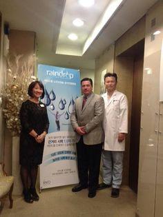Dr. Enrique Barragán, oftalmólogo de Monterrey entrenando a médicos en Corea http://okumed.mx/eb