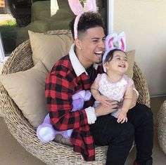 Like father, like daughter Like Father Like Daughter, Daddy Daughter, Ace Family Wallpaper, Cute Kids, Cute Babies, Austin And Catherine, Cute Family Photos, Family Goals, Couple Goals