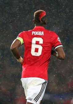Go to victory with Pogba Paul Pogba Manchester United, Manchester United Champions, Manchester United Players, Best Football Team, Football Boys, Football Players, Pogba Wallpapers, Fotos Do Pokemon, Camisa Vintage
