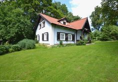 Siedlisko Sętal stanowi dobrą bazę wypadową do licznych atrakcji turystycznych na Warmii i Mazurach. Szczegóły na: http://www.nocowanie.pl/noclegi/olsztyn/agroturystyka/30052/