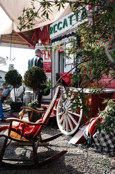 Helsinki, Café Regatta near Sibelius monument | Photo by Süsk and Banoo
