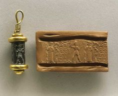 Sceau-cylindre Hématite avec sa monture en or - XVIIIe siècle av. JC - Plus d'information http://www.histoiredelantiquite.net/archeologie-proche-orient/le-sceau-cylindre-sa-fabrication-et-la-facon-de-le-porter/