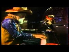 Willie Nelson and Leon Russell - Funny How Time Slips Away Leon Russell, Space Time, Willie Nelson, Soundtrack, Theater, Music Videos, Acting, Nyc, Country