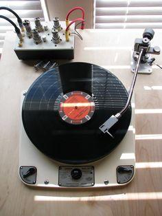 http://allthingsvinyl.tumblr.com/post/18437661515/turntable-tube-amp-custom