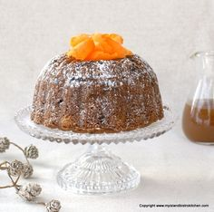 Rum-soaked raisins combine with carrots, potatoes, and spices to make a flavorful steamed carrot pudding that is perfect with brown sugar or eggnog sauce. Steamed Carrot Pudding Recipe, Pudding Recipes, Christmas Pudding, Christmas Sweets, Christmas Goodies, Baking Flour, Bread Baking, Pudding Ingredients, Raw Potato