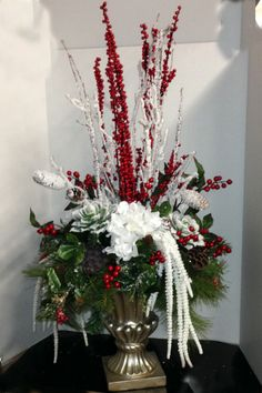frosted Christmas berry winter design Church Christmas Decorations, Christmas Tabletop, Christmas Table Centerpieces, Christmas Door Wreaths, Christmas Flower Arrangements, Christmas Flowers, Christmas Tea, Holiday, Xmas Ornaments