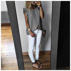 Black/white top, leopard crossbody & white jeans