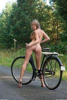 naked bici