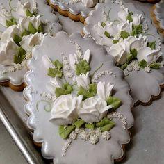 Rose Cookies, Flower Cookies, Iced Cookies, Easter Cookies, Cupcake Cookies, Sugar Cookies, Elegant Cookies, Fancy Cookies, Cut Out Cookies