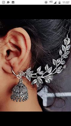 Indian Jewelry Earrings, Indian Jewelry Sets, Silver Jewellery Indian, Jewelry Design Earrings, Bridal Jewelry Sets, Bridal Jewellery, Silver Jewelry, Antique Jewellery Designs, Fancy Jewellery