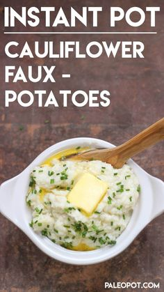 Instant Pot Faux Cauliflower Mashed Potatoes – In around 20 minutes flat, you can do it! This easy recipe shows you just how ridiculously easy it is to cook things last minute in the Instant Pot. Minimal work and time required to get Healthy Recipes, Low Carb Recipes, Crockpot Recipes, Cooking Recipes, Instapot Recipes Paleo, Cheap Recipes, Pescatarian Recipes, Oven Cooking, Cooking Games