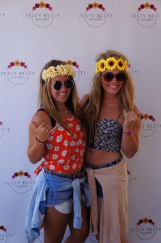 #festybesty #flowerhalo #flowercrown #flowerheadband #flower #hangoutfest #hangout #festivalseason #fashion #festivalfashion