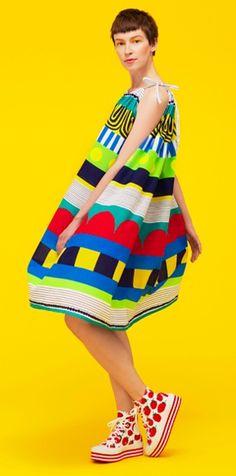 Marimekko's cool riff on rya rugs (Ryijyt), the Impy dress. Girl Fashion, Fashion Outfits, Womens Fashion, Fashion Design, Fashion Trends, Marimekko, Use E Abuse, Dressy Tops, Long Tops
