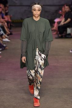 See the complete Baja East Spring 2017 Ready-to-Wear collection.