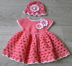 Bumble bee dress and hat, free pattern on Loremar.co