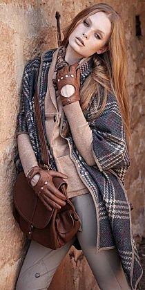 Tartan shawl and brown leather Tartan, Fall Winter Outfits, Autumn Winter Fashion, Autumn Style, Look Fashion, Womens Fashion, Fashion Trends, Look 2017, Street Style
