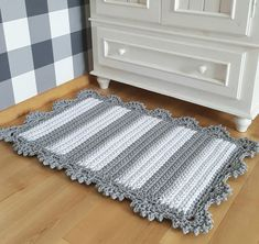 Crochet Bedspread Pattern, Crochet Rug Patterns, Tapestry Crochet, Baby Knitting Patterns, Crochet Home Decor, Diy Crochet, Mandala Rug, Crochet Carpet, Knit Pillow