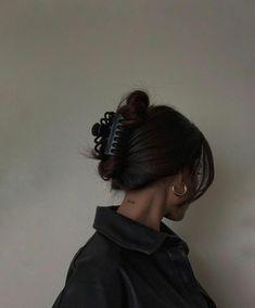 Hair Streaks, Aesthetic Hair, Aesthetic Black, Aesthetic Vintage, Aesthetic Fashion, Dream Hair, Grunge Hair, Hair Day, Girl Hair