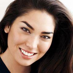 Avon Extra Lasting Liquid Foundation http://www.makeupmarketingonline.com/avon-extra-lasting-liquid-foundation/