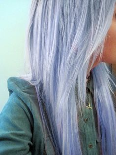 I love this lilac hair