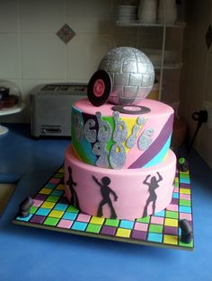 This is kinda like the cake I will attempting to make for Makenzies Birthday.. I cant wait!!!