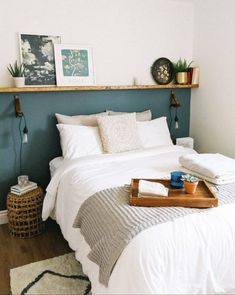 Room Ideas Bedroom, Cozy Bedroom, Green Bedroom Decor, Ikea Bedroom, Bed Rooms, Bedroom Colors, Cozy Small Bedrooms, Small Bedroom Storage, Small Bedroom Designs