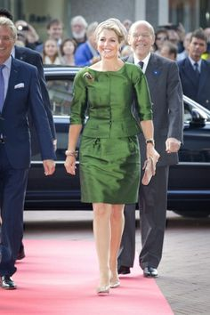 9-13-13. MYROYALS &HOLLYWOOD FASHİON: Queen Maxima opens Fries Museum