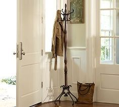 Design Small Living Spaces| Serafini Amelia| Entryway Solutions & Organized Entryways | Pottery Barn