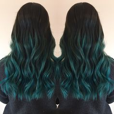 Cool Blue Hair Ideas That Youl Want To Get coole blaue Haare Ideen, die Sie Hair Color Dark Blue, Green Hair Ombre, Dark Green Hair, Ombre Hair Color, Cool Hair Color, Teal Green, Turquoise Hair Ombre, Pastel Ombre, Emerald Green Hair