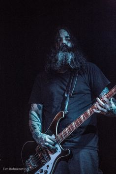 Al Cisneros - Incredibly masterfull bassist - his slow deep gurgling sound is reminiscent of Black Sabbath, but Al knows when to experiment with sheer feedback and droning.