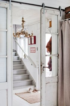 Great way to attach VINTAGE doors.