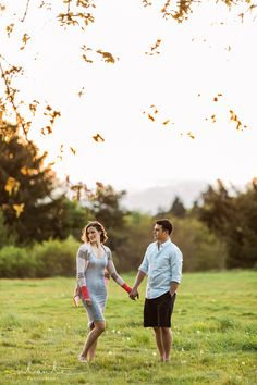 Outdoor #Engagement Photos - Discovery Park in Magnolia, Seattle WA.