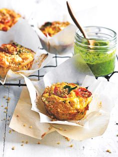 Breakfast on the run or post-sport snack these tomato, basil and ricotta bites are part frittata, part muffin and completely awesome Frittata Muffins, Savory Muffins, Tomato Relish, Tomato Basil, Breakfast Snacks, Breakfast Recipes, Breakfast Ideas, Sports Snacks, Party Decoration