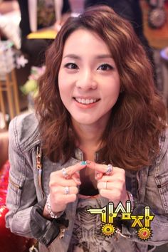 Sandara Park upset that 2NE1′s dating ban will not be lifted after all and reveals that she's interested in… #allkpop #2NE1 #YG
