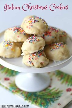 holiday desserts Italian Christmas Cookies are a delicious cake-like cookie with a hint of anise and sweet sugar glaze. This recipe is perfect to bake any time of the year. Italian Christmas Cookies, Best Christmas Cookie Recipe, Holiday Cookie Recipes, Easy Cookie Recipes, Holiday Desserts, Holiday Baking, Christmas Baking, Christmas Christmas, Christmas Snacks