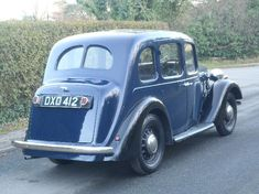 Classic Car News Pics And Videos From Around The World Classic Cars British, Ford Classic Cars, Classic Sports Cars, Old Fashioned Cars, Austin Cars, Old Lorries, Cars Uk, Futuristic Cars, Vintage Handbags