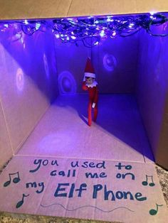 Pose Kids' Elf on the Shelf Like Drake in His 'Hotline Bling' Video Parents Pose Kids' Elf on the Shelf Like Drake in His 'Hotline Bling' VideoParents Pose Kids' Elf on the Shelf Like Drake in His 'Hotline Bling' Video Merry Christmas, Christmas Elf, Christmas Ideas, Christmas Stuff, Funny Christmas, Christmas Holiday, Hotline Bling Video, Der Elf, Elf Auf Dem Regal