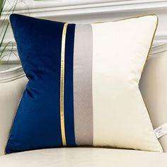 Blue And Gold Living Room, Beige Living Rooms, Blue Living Room Decor, Blue Rooms, Living Room Bedroom, White Cushion Covers, White Cushions, Velvet Cushions, Navy Blue Cushions
