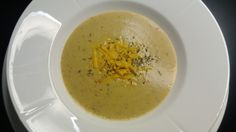 Rosted cauliflower and cheddar soup