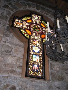 Kinnelon's Magnificent Celtic Cross In St. from Louis C. Tiffany Studio If you've participated in one of Tom Kline's guided. Tiffany Stained Glass, Stained Glass Art, Stained Glass Windows, Mosaic Glass, Celtic Symbols, Celtic Art, Celtic Crosses, Celtic Dragon, Celtic Knots