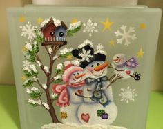 Hand painted Snowman and Snow Woman with Birdhouses on a Glass Block. Christmas Glass Blocks, Christmas Signs, Christmas Art, Christmas Projects, Holiday Crafts, Christmas Decorations, Christmas Balls, Painted Glass Blocks, Hand Painted