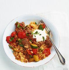 Kurz Hack, Tomaten und Zucchini anbraten - und den Feierabend genießen.