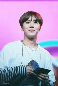 How cute you are ❤❤JHOPE @FebulousYou_218