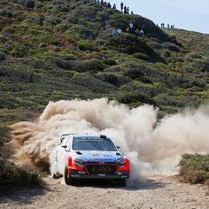 Even the sun feels very hot, we never ever stop☀️ - @hyundai_company - 따가운 햇살과 건조한 날씨 속에서도 계속되는 질주 - #Hyundai_World_Rally #WRC #Italia #Rally #DaniSordo #HaydenPaddon #ThierryNeuville #i20 #motorsport #sundrenched #extrahot #keepgoing #sandstorm #race #dailypic #현대월드랠리 #이탈리아 #다니소르도 #헤이든패든 #티에리누빌 #모터스포츠 #경기 #뜨거운햇살 #모래바람 #우승 #데일리픽 #현대자동차 #카스타그램 #자동차 #자동차그램