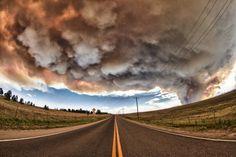 Облака над Колорадо Спрингс, штат Колорадо, США. 26 июня 2012 года  Облака над Колорадо Спрингс, штат Колорадо, США. 26 июня 2012 года  Облака над Колорадо Спрингс, штат Колорадо, США. 26 июня 2012 года   Источник: http://www.adme.ru/zhizn-zhivotnye/katastroficheskaya-krasota-557355/ © AdMe.ru