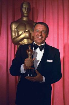 1971 Oscars: Frank Sinatra, recipient of Jean Hersholt Humanitarian Award 1970 Hollywood Glamour, Hollywood Stars, Classic Hollywood, Old Hollywood, Mia Farrow, Ava Gardner, Franck Sinatra, Joey Bishop, Best Supporting Actor