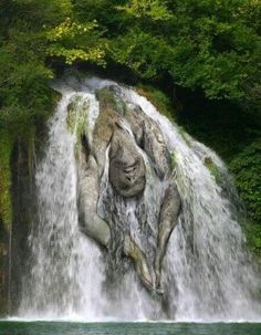 Majestic waterfall, a beautiful and surreal nature piece...would be interesting to actually carve something like this.