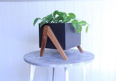 20 Clever DIY Planters, Pots and Plant Stands