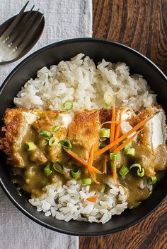 This sublime tofu katsu curry recipe offers a comforting vegetarian version of this classic Japanese dish. This sublime tofu katsu curry recipe offers a comforting vegetarian version of this classic Japanese dish. Vegan Japanese Food, Japanese Diet, Vegan Japanese Curry Recipe, Vegetarian Japanese Curry, Japanese Tofu Recipes, Chinese Food, Veggie Recipes, Whole Food Recipes, Cooking Recipes
