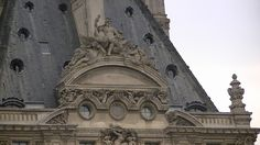 Paris Sculpture 12/ building